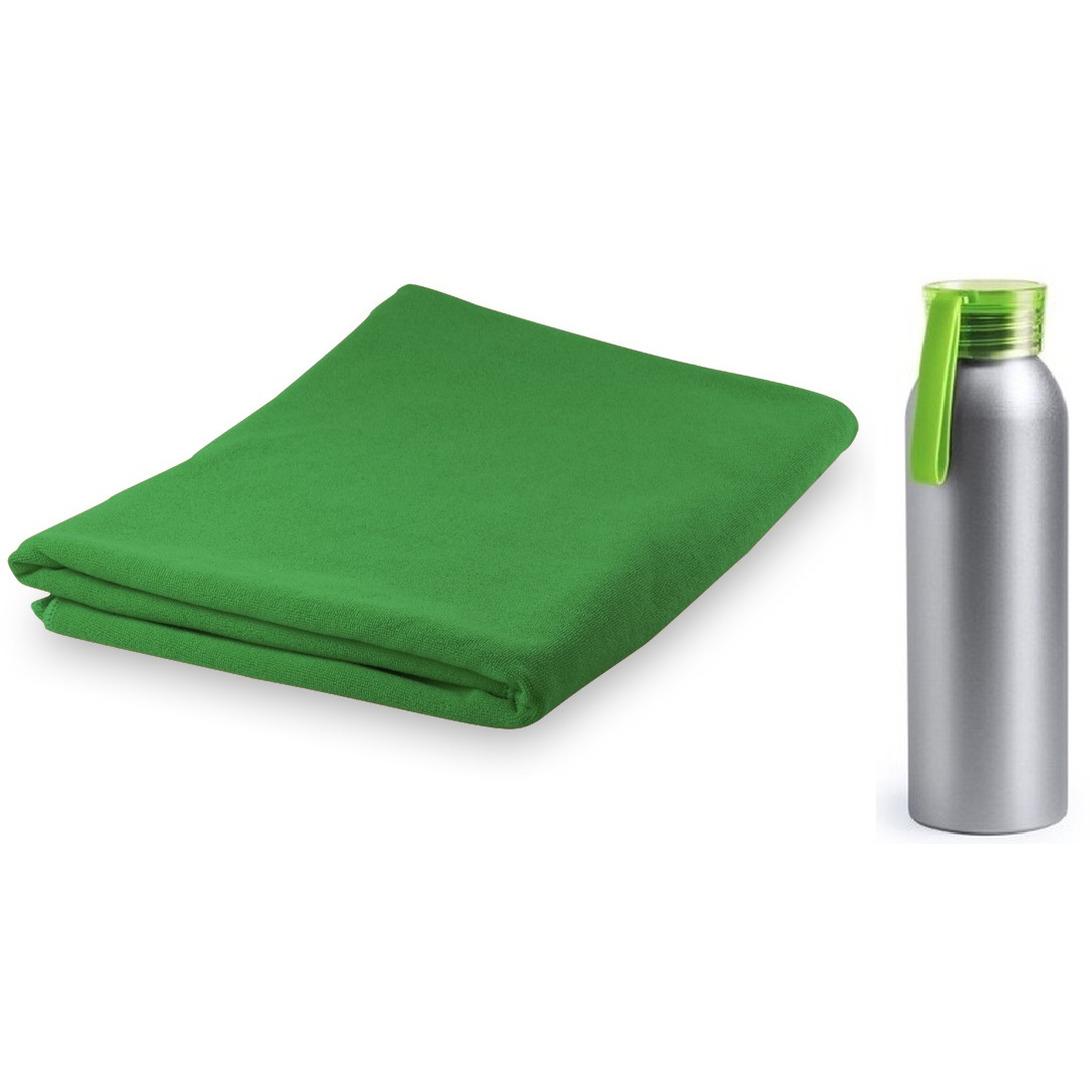 Yoga fitness set groene handdoek extra absorberend en bidon drinkfles